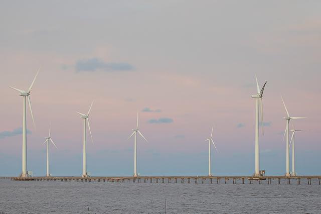 Hà Tĩnh có 137km bờ biển, là một trong những điều kiện thuận lợi để đầu tư dự án điện gió. (Ảnh minh họa)