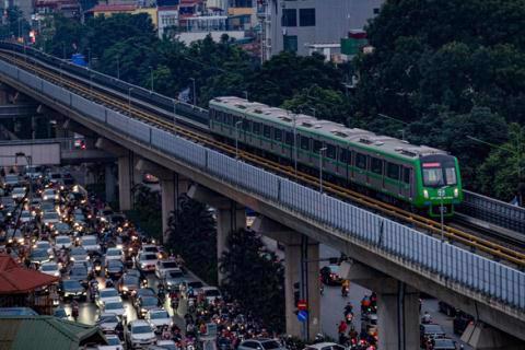 Vận hành thử nghiệm tuyến đường sắt đô thị Cát Linh-Hà Đông. Ảnh: Tuổi trẻ