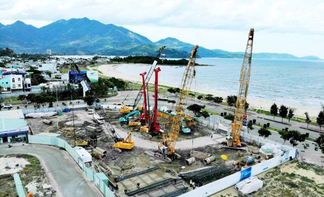 Vị trí xây dựng của dự án Khu căn hộ Asiana nằm bên tuyến đường biển Nguyễn Tất Thành của TP. Đà Nẵng