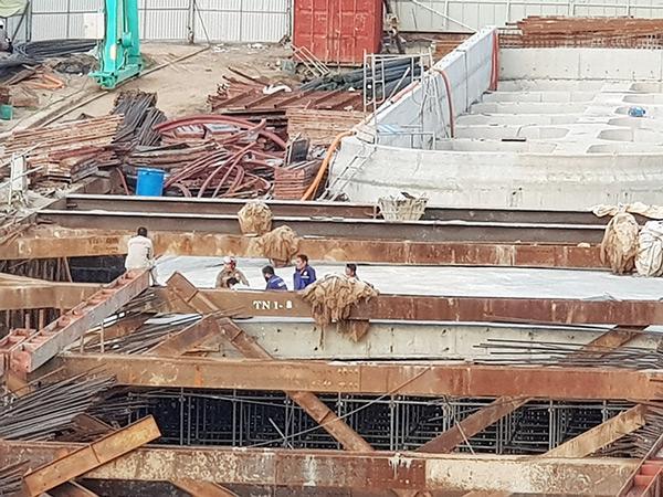 Việc tập trung phòng, chống dịch COVID-19 đã làm một số ngành kinh tế chủ lực của Đà Nẵng sụt giảm mạnh, nhiều công trình, dự án phải tạm dừng triển khai.