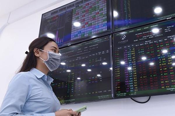 Khối ngoại mua ròng hơn 56 tỷ đồng trên HoSE trong phiên hôm nay.