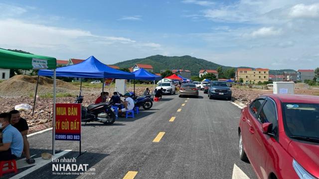 Đấu giá đất tại Bắc Giang: Giá chênh lệch hàng tỷ đồng mỗi lô, nhà đầu tư tháo chạy, bỏ cọc hàng chục lô đất sau đấu giá - Ảnh 1