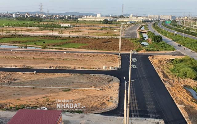 Giá đất tại Bắc Giang chênh nhau hàng tỷ đồng mỗi lô sau phiên đấu giá vào tháng 9/2021.