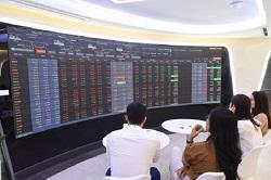VN-Index hồi phục trong phiên chiều, nhóm ngân hàng rực đỏ - Ảnh 1
