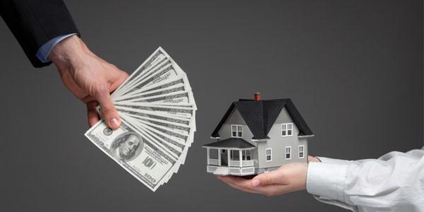 Dịch bệnh đang khiến nhiều nhà đầu tư BĐS lâm vào khó khăn khi tìm đầu ra cho tài sản của mình.