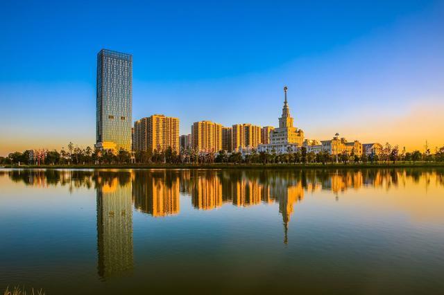 Phía Đông Thủ đô lột xác với những kỳ quan đô thị xác lập nhiều kỷ lục trong nước và quốc tế.